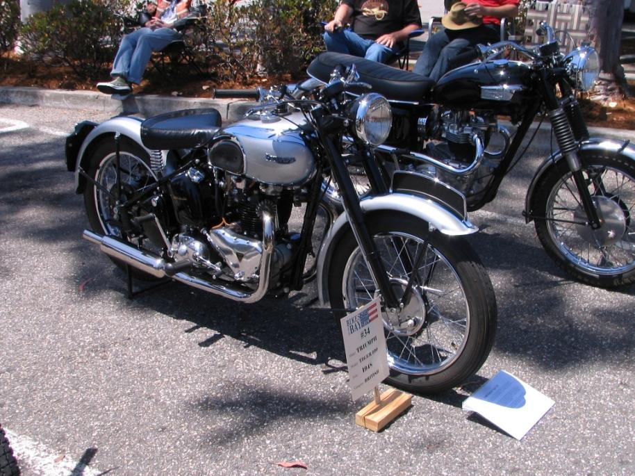 Triumph Trophy T100